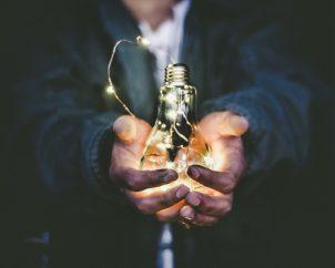Czym zajmują się dostawcy energii elektrycznej