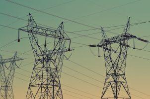 Jak regulowane są opłaty za energię dla firm